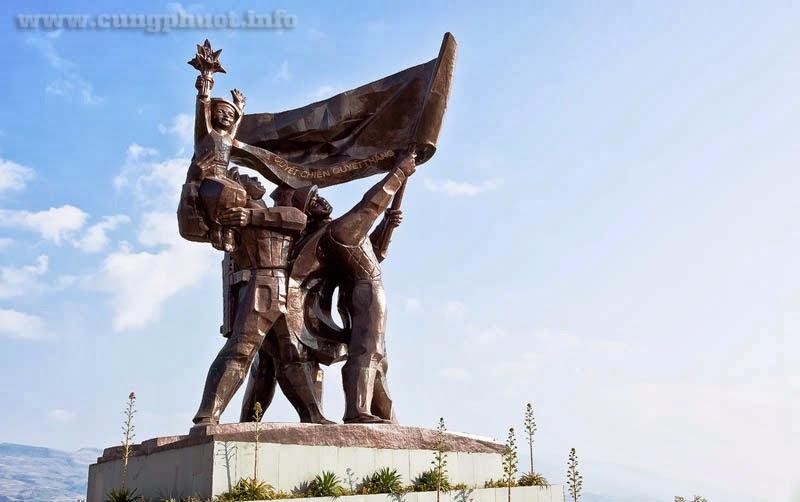 4. Tượng đài chiến thắng Điện Biên